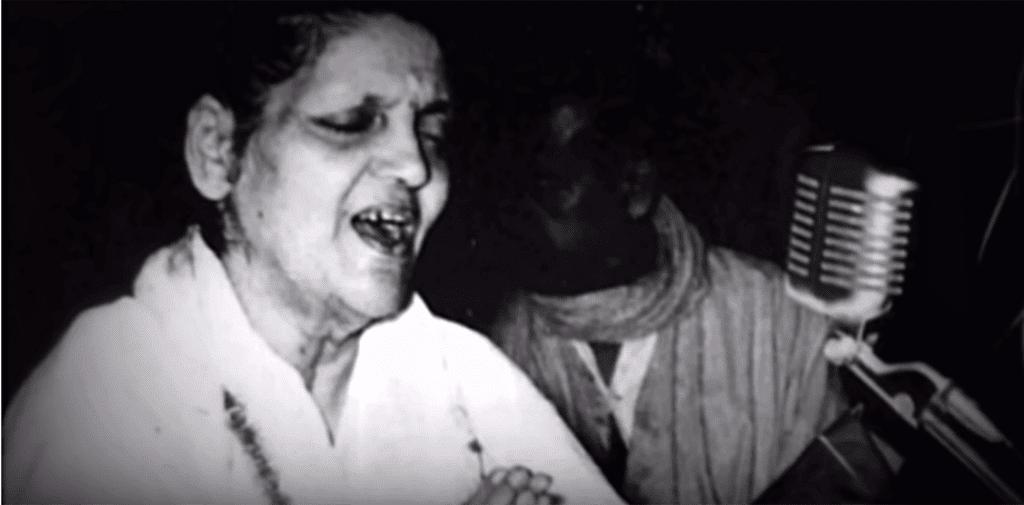 Anandamayi Ma singing