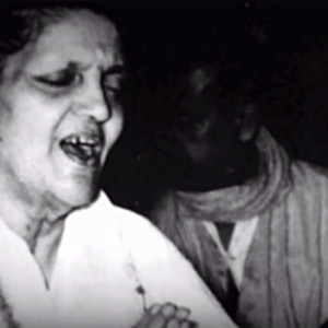 Anandamayi Ma singing