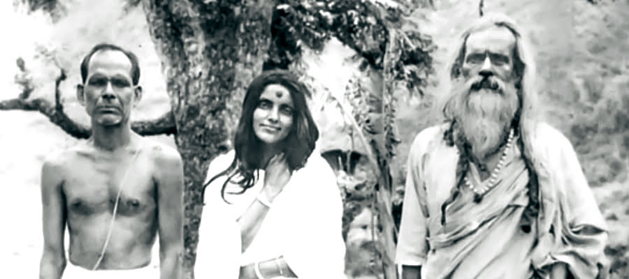 Anandamayi Ma - How to Follow a Guru
