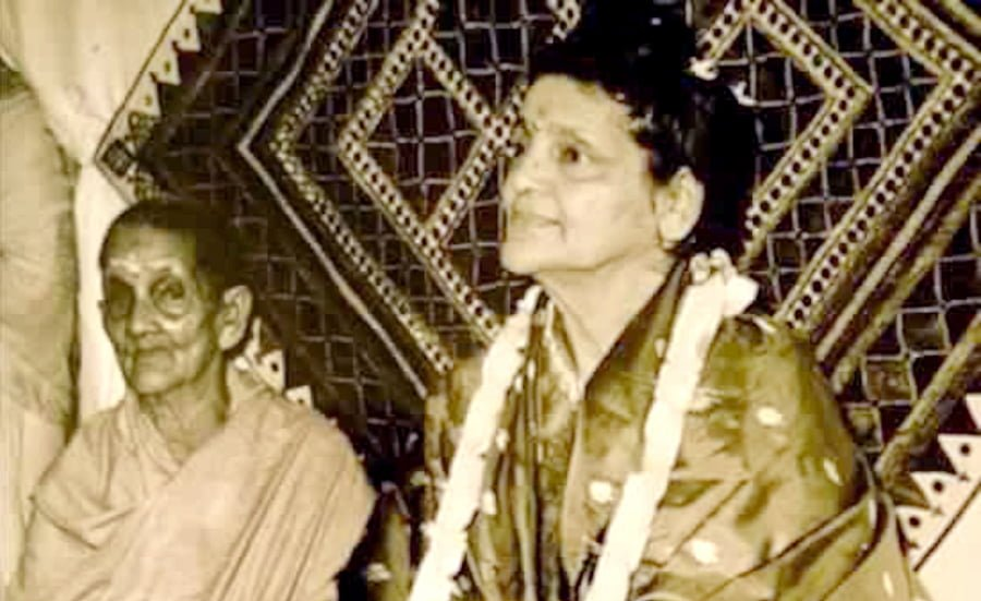Anandamayi Ma and her mother